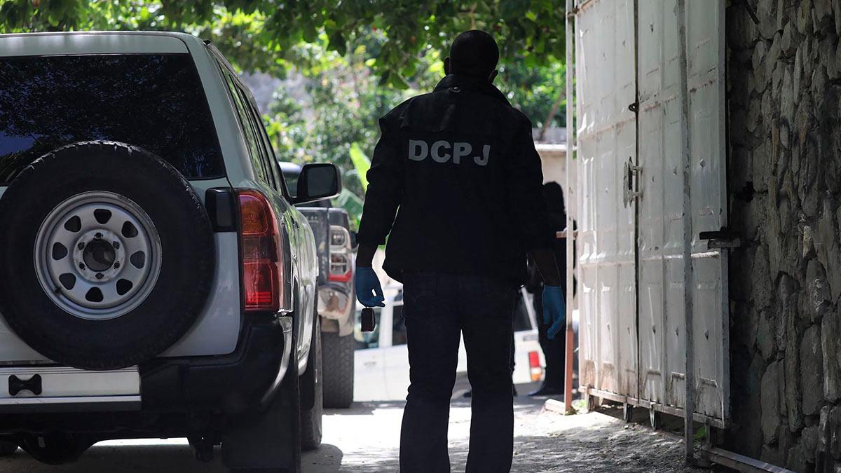 Полиция Гаити