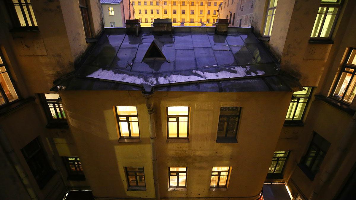 Дом с коммунальными квартирами в Санкт-Петербурге