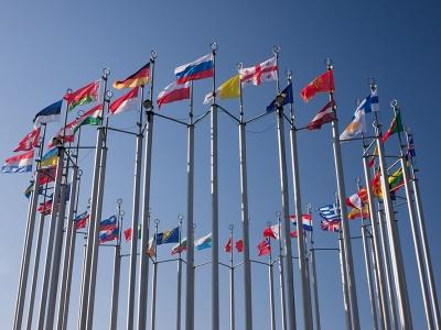 Евросоюз будет пересматривать санкции в отношении РФ в конце октября