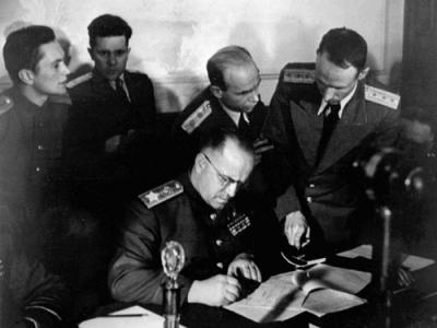 Кто командовал штурмом Берлина